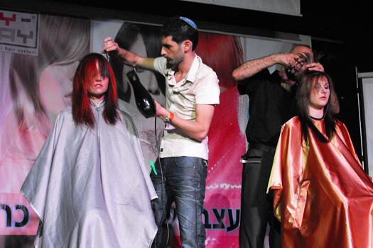 כפיר מאמו על הבמה - אירוע מעצבי שיער בכרמיאל - MY WAY