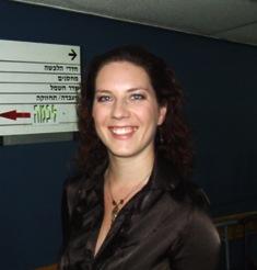 כריסטינה המגישה של הערוץ הרוסי (9) מאחורי הקלעים.