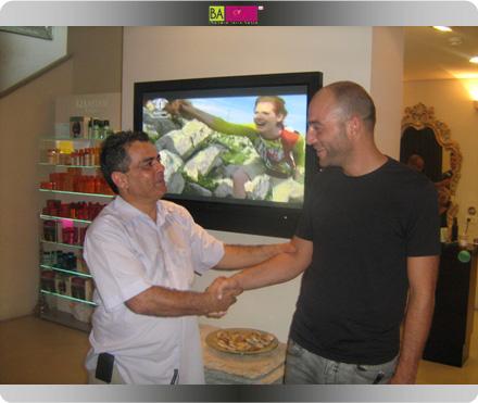 מעצב השיער ושגריר לוריאל עמיר מזרחי יחד עם אורי שחגי מנהל קבוצת דיפרנט TV