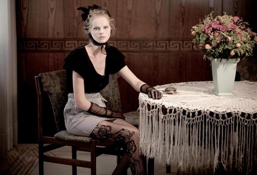 מגזין אופנת סתיו חורף 2010-11 - twentyfourseven. צילום: אלון שפרנסקי.