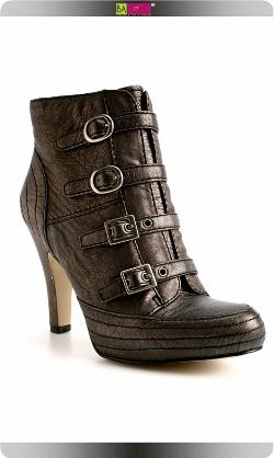 ניין ווסט מגפיים חורף 2009