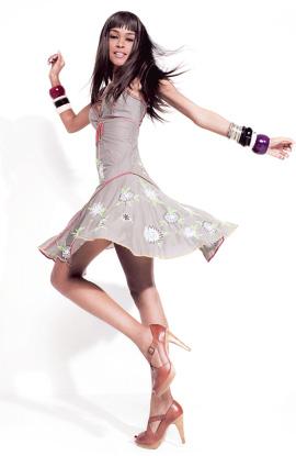 אופנה ספרדית לוהטת - Desigual קיץ 2009