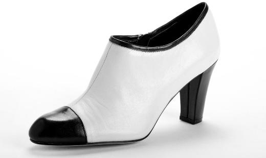 ANNE KLEIN - שחור ולבן. צילום: דן לב.