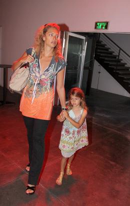 מיכאלה ברקו והבת. צילום: אלירן אביטל.