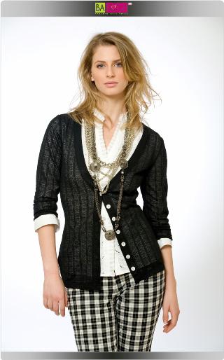 """קרייזי ליין מציגה את מראה """"שיק עירוני"""" - מראה נשי ומעודן לעונת קיץ 2009. צילום: עידו לביא."""