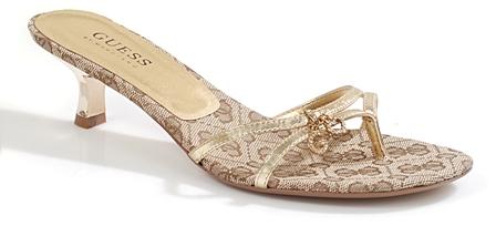 GUESS (גס) - נעליים מקושטות