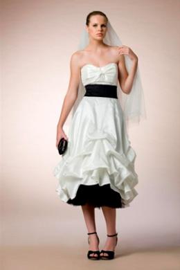 סיגל דקל - שמלות כלה אלטרנטיביות. צילום: עידו לביא.