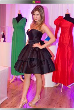 עדי הימלבלוי - הברבי הלאומית בשמלה בעיצובה של מירה צבילינגר. צילום: שי ווליץ