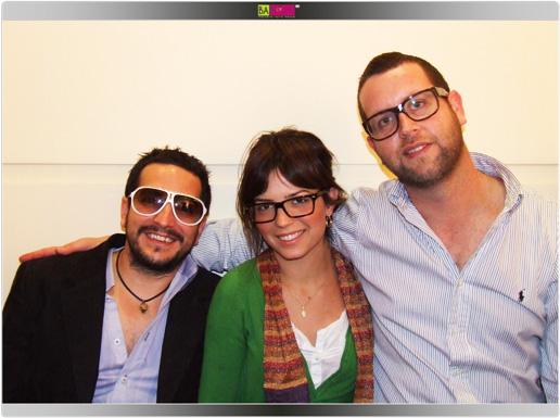 יאיר מנדל (מימין) ברגע של הומור. צילום: בראש - פורטל יופי ישראלי.