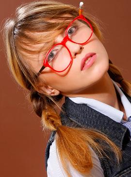 איל מקיאג' - סגנונות איפור לתלמידות בית ספר - מראה הילדה הטובה.