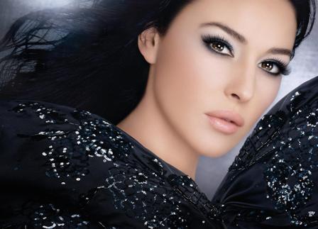 Diorshow Iconic Mascara מסקרה מעגלת ריסים ומדגישה