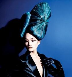 לוריאל פרופסיונל - מראה שיער כחול חורף 2010.