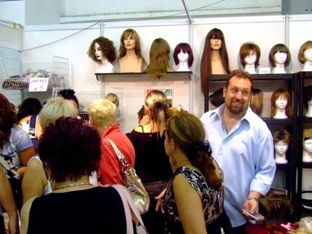 הביתן של רבקה זהבי פאות ותוספות שיער. צילום: פורטל היופי הישראלי-בראש.