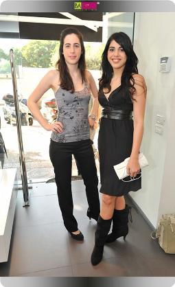 האחיות שרונה ודניאלה פיק - סלבס בחנות אקססוריז