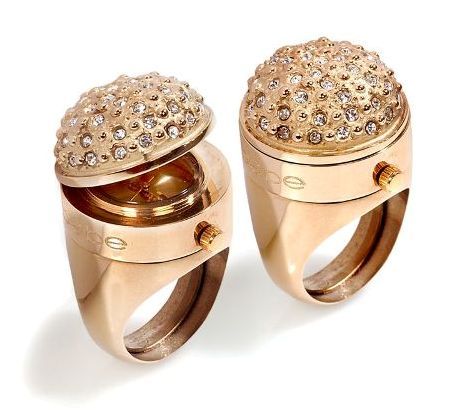 קנה לה טבעת כדי שלא