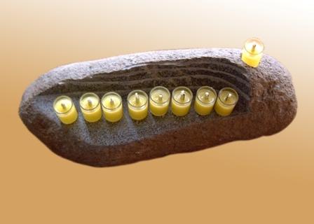 חנוכיות מעוצבות מתקופת האבן