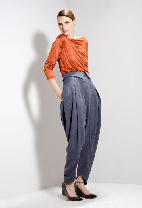 מאיה נגרי מכנסיים הושי 980 שח חולצה צארלי 480 שח