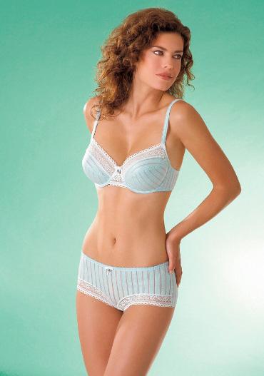 50% הנחה על פריט שני במחלקת הלבשה תחתונה - המשביר לצרכן.