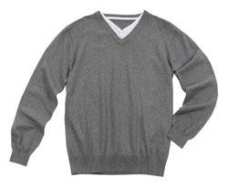 חולצת וי לגבר מחיר 179.9 שח צילום ניר יפה
