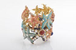 טבעת בחנות מאדאם דה פומפדור של ניקול ראידמן