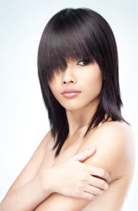 האם כדאי לעשות החלקה לשיער?