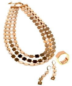 NINE WEST - קולקציית תכשיטים בשילוב קופסת תכשיטים מהודרת