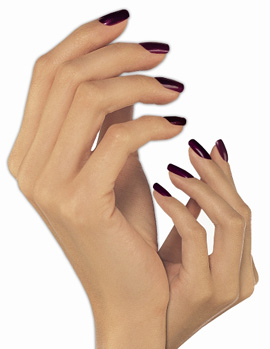 שמירה והגנה על עור הידיים - ניקיון פסח. תמונה באדיבות רשת נייל סטודיו.