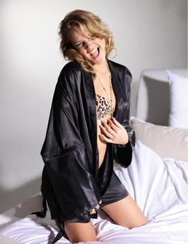 אסתי גינזבורג בלבוש תחתון - GOUNDER קיץ 2010