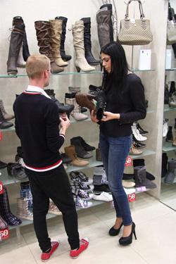 מסע הקניות של דניאלה פיק