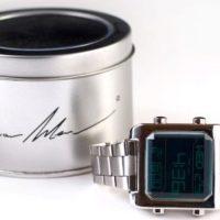 רנואר מן , שעון דיגיטאלי מעוצב