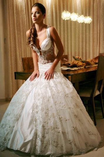 נטלי דדון לובשת שמלות כלה
