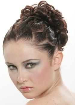 שילוב של איפור עם שיער למראה מושלם