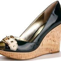 גס (GUESS) מציגה את קולקציית נעלי נשים לאביב 2008