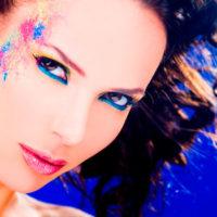 רוית אסף - איפור כחול בעיניים