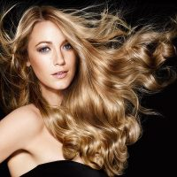 Elvive Extraordinary Oil קרם לחות לשיער מועשר בשמן קוקוס של לוריאל פריז מחיר 39.90 שח צילום יחצ חול