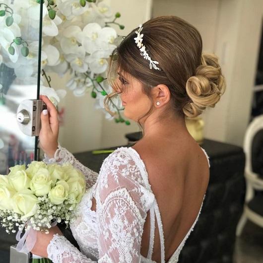 עונת החתונות בפתח גיורא יצחקוב