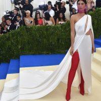 לילי אלדריג לובשת ראלף לורן במט גאלה 2017 יחצ חול