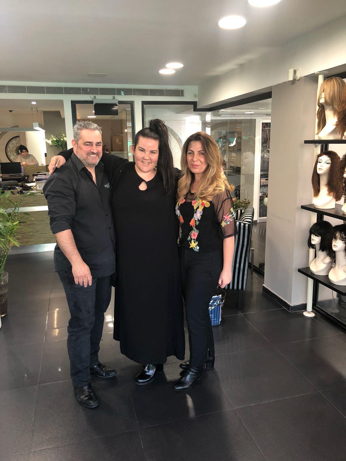 נטע ברזילי בוחרת פאות ותוספות בדורון פסקינו פתרונות שיער ברמת גן, יחצ (2)