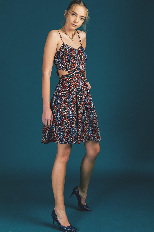 שמלה עם פתח במותן, 29.90 שח, להשיג ברשת SELECT ובאתר www.Select-Fashion.co.il, צלם אייל אסרף (4)