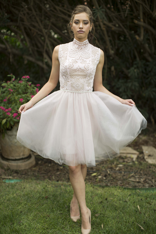 שמלת כלה קצרה של המעצבת חן חוה לבלוג כלות עם שיק, צלם רותם ברק