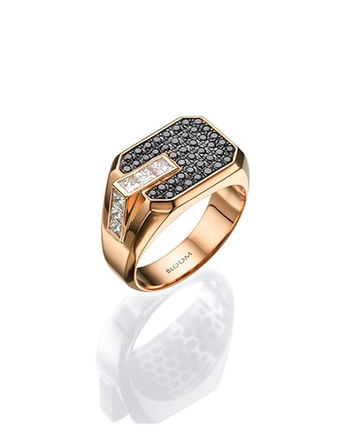 טבעת זהב ורוד משובצת יהלומים שחורים ולבנים, 10300 שח, להשיג ב- BLOOM צלם ניצן תמם