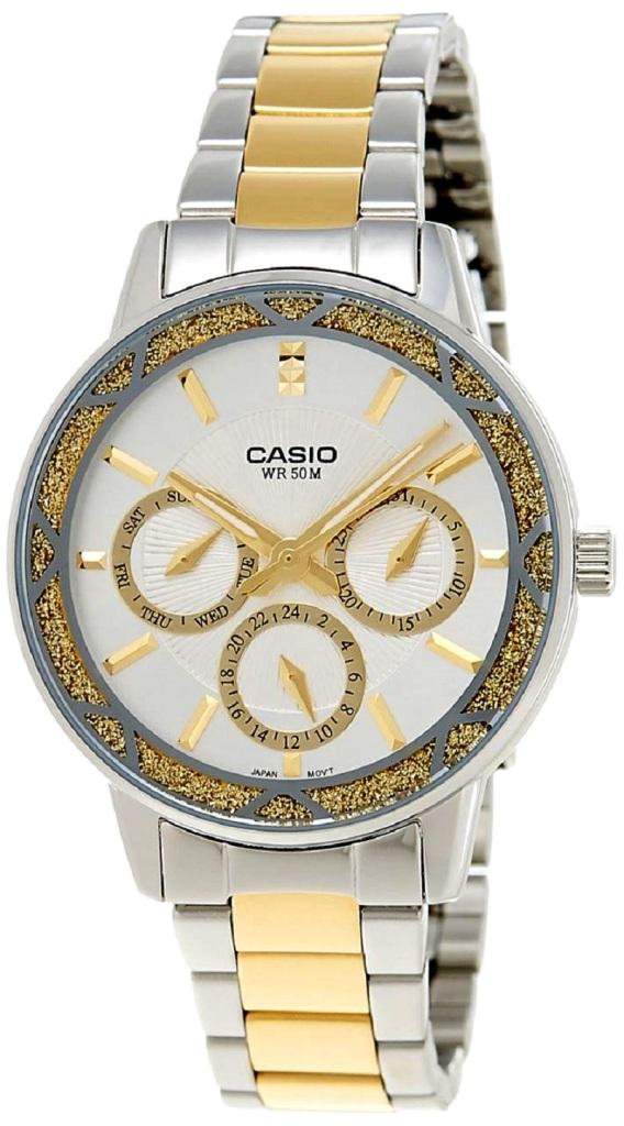 שעון קסיו מטאלי- כסף וזהב,  , להשיג בחנויות השעונים המובחרות ובאתר קסיו ישראל casio.t-and-i.co.il, צלם יחצ חול