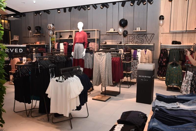 חנות ריזרבד בקניון גבעתיים -צילום אלעד גוטמן (3)