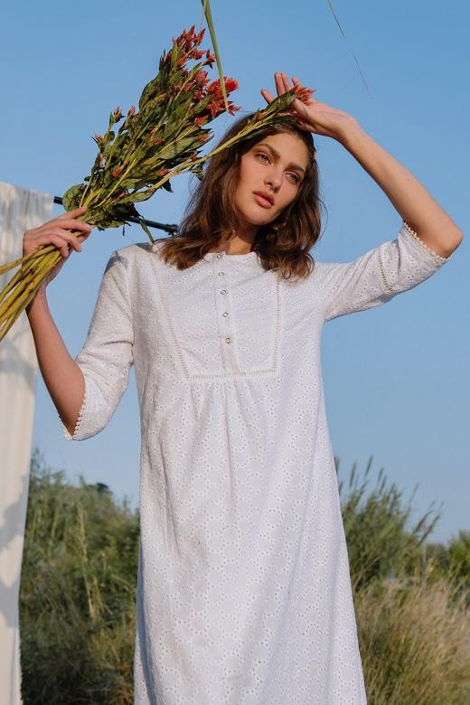 שמלה לבנה מבית סטודיו שחרית, 389 שח לירידי האופנה לחגים בראשית שיתקיימו ב- 8 ערים בישראל במהלך חודש ספטמבר, צלם לי אגמון