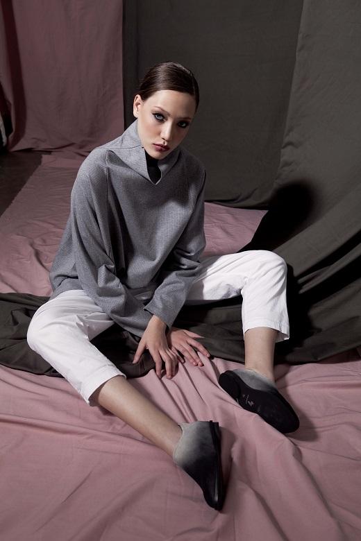 יריד שופוני צילום דרור בן נפתלי נעליים ABRAMEY מכנסיים וסוודר HILA FEINBERG