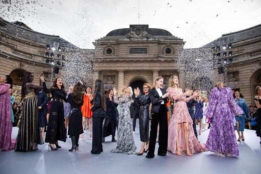 GIOVANNI GIANNONI דוברות לוריאל פריז בשבוע האופנה בתצוגה של לוריאל פריז צילום  . (20)