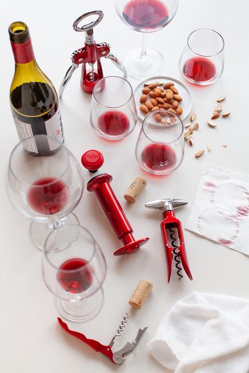למארחים - אביזרי יין של סולתם החל מ9.90 ועד 59.90 שח צילום יחסי ציבור