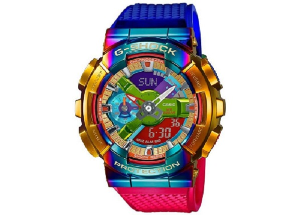 לבן הזוג- שעון G-SHOCK דגם GM-110RB-2A, 1379 שח, להשיג בחנויות המובחרות ובאתר היבואן, יחצ חול